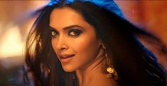 Lovely Song From Happy New Year Movie