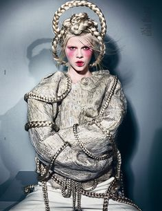 Ruby Jean Wilson in straight jacket by Maurizio Anzeri and headpiece by Bob Recine, photographed by Richard Burbridge for Dazed & Confused November Richard Burbridge, Foto Fashion, Fashion Week, Fashion Art, Fashion Gallery, Fashion Ideas, Fashion Inspiration, Isabella Blow, Pose
