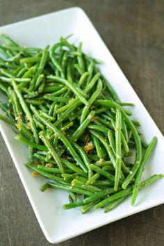Make Crispy Garlic Onion Green Beans in less than 10 minutes.