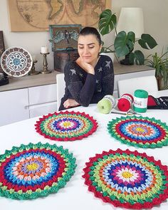 Best 12 Crochet on the Double Mile-a-Minute Christmas Afghan – Mile-a-Minute Afghan – SkillOfKing. Crochet Placemats, Crochet Table Runner, Crochet Dishcloths, Crochet Doilies, Diy Crafts Crochet, Crochet Home, Crochet Projects, Handmade Crafts, Crochet Rug Patterns