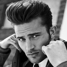 Rock and roll age came and the pompadour style was flared again and is still dazzling. Check out these Macho Pompadour Hairstyles for Men to try this year. Easy 50s Hairstyles, Mens Hairstyles Pompadour, Hairstyles Haircuts, Haircuts For Men, Hairstyle Ideas, Pompadour Style, Modern Pompadour, Pompadour Men, Medium Short Hair