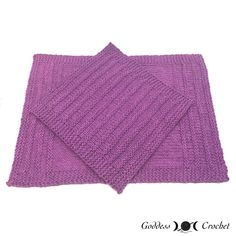 This matching knit dishcloth and hand towel are the perfect housewarming gifts for a special friend or family member.