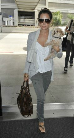 Skinny cargo pants, loose white top and waterfall cardigan. Casual style. Love.