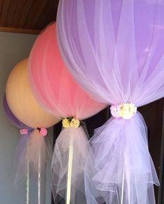 """""""Revestindo balões com tule... """""""