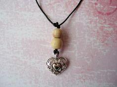 Snygg halsband (3 olika motiver)  Design by Favourite Handmade