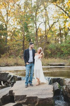 Fall Bartlesville Engagement Session: Cheyenne + Callen — Kelly Costello Photography #fall #engagement #pictures #photos #winter #plaid #ideas
