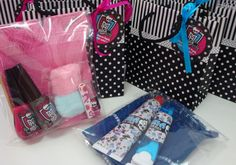 Kit Higiene e kit unha Monster High - Fazendo Festa