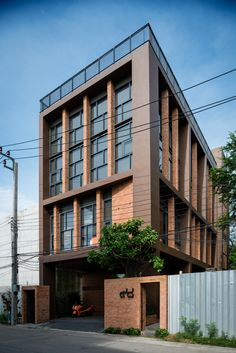 Image 1 of 18 from gallery of Office Rama IX / Gooseberry Design. Photograph by Beer Singnoi