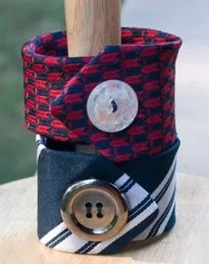 Sewing Crafts, Sewing Projects, Sewing Ideas, Diy Projects, Old Ties, Old Neck Ties, Button Crafts, Crafty Craft, Crafting