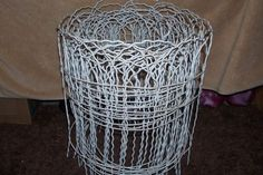 Vintage-Victorian-Metal-Fence-Wire-Garden-Art-Deco-Farm-Decor-NOS-25FT-ROLL