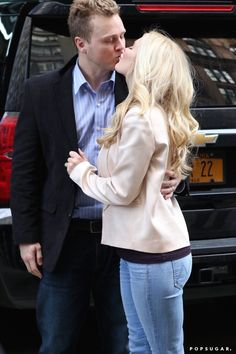 Pin for Later: Can't-Miss Celebrity Pics!  Heidi Montag and Spencer Pratt shared a sweet kiss in NYC on Monday.