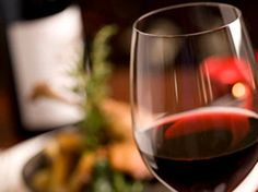 Red wine is prescribed for medicinal purpose by doctors too. Here are 10 red wine benefits that give it a high medicinal value!