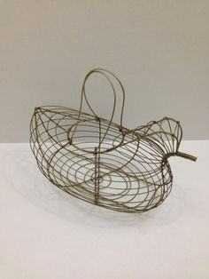 Vintage chicken egg collection wire basket by TheTravelingTortoise