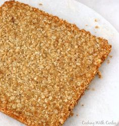 Perfectly easy to make oatmeal bars that are kissed with brown sugar are a great grab and go breakfast or fun homemade snack. Easy Oatmeal Bars, Oatmeal Squares, Oatmeal Breakfast Bars, Grab And Go Breakfast, Free Breakfast, Brown Sugar Oatmeal, Baked Oatmeal Recipes, Chocolate Chip Bars, Gluten Free Oatmeal