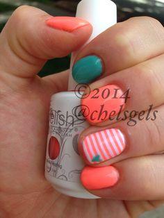 Gel polish nails  Instagram @chelsgels