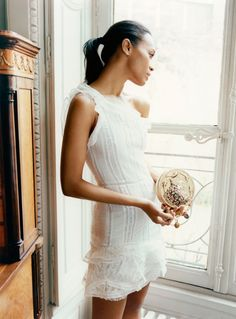 Zoe Saldana da Matteo Montanari per The Edit