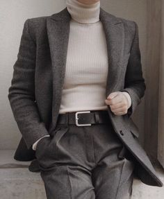 la femme dans l'art ( Aesthetic Fashion, Aesthetic Clothes, Aesthetic Outfit, Cute Casual Outfits, Winter Outfits, Fashion Pants, Fashion Outfits, Fashion Tips, Fashion Quotes
