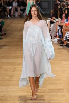 Chloé Spring-Summer 2015 #SS15 #PFW • Gathered Waist Dress in Silk Crêpon, Fawne Flat Strappy Sandals