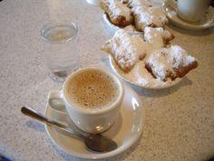 Cafe Du Monde -beignets and café au lait in the afternoon