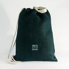 Dieser ELZBAG Turnbeutel ist wasserabweisend und zu 100% aus Nutzhanf! Jetzt kaufen auf www.elzbag.com. Weekender, Drawstring Backpack, Backpacks, Fashion, Hemp, Cinch Bag, Sustainability, Gymnastics, Textiles