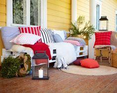 Laita terassi tai parveke talvikuosiin ja tee itse eurolavoista tunnelmallinen sohva. Katso ohjeet!