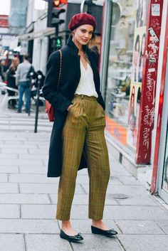 Green Plaid and Beret | Street Style #StreetStyle
