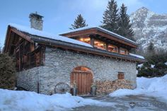 25-luxury-Chalet-Forest-Chamonix-Alps-France-front-view.jpg (1101×734)