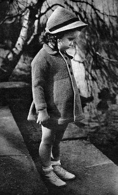 The Vintage Pattern Files: 1940's Knitting & Crochet - Juvenile Styles Vol. 32