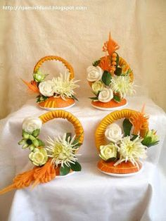 Fruit Carving Arrangements and Food Garnishes: Vegetable Bouquets