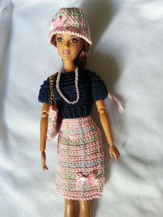 vêtement poupée mannequin Barbie (233)