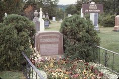 Tripping Over My Roots: Tombstone Tuesday - Lucy Maude Montgomery #genealogy