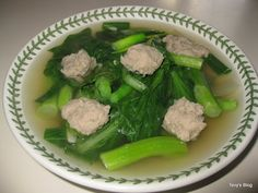 Welcome to Tevy's Kitchen: Chinese Green soup with meatballs Healthy Soup, Easy Healthy Recipes, Asian Recipes, Asian Foods, Vietnamese Recipes, Khmer Soup Recipe, Cambodian Food, Cambodian Recipes, Cambodian Wedding