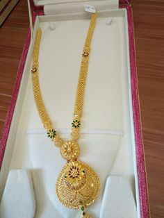 Ali baba Selani gold and diamond splyer Dubai. Gold Bangles Design, Gold Jewellery Design, Gold Mangalsutra Designs, Gold Jewelry Simple, Jewelry Patterns, Gold Haram, Gold Necklace, Ali Baba, Gold Designs