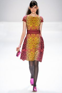 Absolutely love the neon green and fuchsia pink on this middle east inspire pattern! Nanette Lepore FW2012