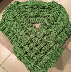 62 trendy crochet cowl celtic 62 trendy crochet cowl celtic Learn the basics of how to croc Boys Sewing Patterns, Knitting Patterns, Crochet Patterns, Braided Scarf, Loop Scarf, Knitting Stitches, Free Knitting, Tricot D'art, Knit Vest Pattern