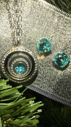 Love how the blues accent each other! #Turquoise #Teal #CustomJewelry #OrigamiOwl #NecklaceAndEarrings