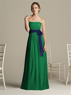 is that navy and green?! love. Bridesmaids dress