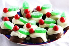 NO BAKE Mini Chocolate Christmas Puddings