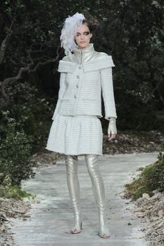 A model walks the runway during the Chanel Spring/Summer 2013 Haute-Couture show as part of Paris Fashion Week at Grand Palais on January 2013 in Paris, France. Couture Chanel, Chanel Runway, Karl Lagerfeld, Capitol Couture, High Fashion, Womens Fashion, Paris Fashion, Street Fashion, Chanel Outfit
