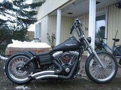 Harley Davidson Street Bob custom. Sick bike