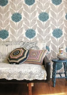 1000 images about granny chic on pinterest granny chic for Teal wallpaper living room