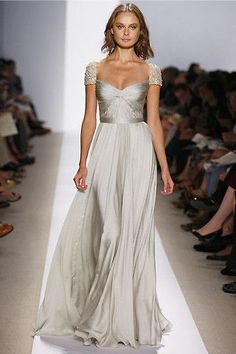 Reem Acra Love this dress. Wish I had somewhere to go and wear this if I could even afford it - Picmia