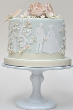 Unique Single-Layer Wedding Cakes to Spice Up Your Dessert Table | Weddingbells