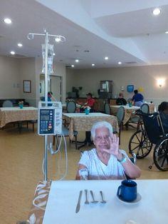 Mi Madre con pulmonia centro ancianitos, Florida.  October.  2014