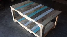 Pallet Coffee Table with Stained Stripes | 101 Pallet Ideas