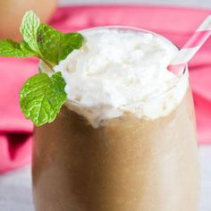 Chocolate Peppermint Green Smoothie http://www.eatclean.com/recipes-how-to/low-sugar-smoothie-recipes/chocolate-peppermint-green-smoothie