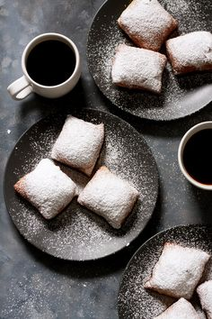 Soft and fluffy traditional New Orleans beignets, lavishly covered with powdered sugar. Plus: Some of Café du Monde's beignet making tips to keep in mind for perfect puffy beignets. Brownie Desserts, Oreo Dessert, Mini Desserts, Dessert Recipes, New Orleans Beignets Recipe, New Orleans Recipes, Cajun Recipes, Shrimp Recipes, Haitian Recipes