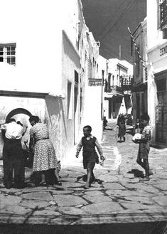 Paros, Old Photos, The Good Place, Greece, Street View, Country, Water, Painting, Beautiful