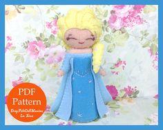 Elsa in Frozen Doll. Felt Doll. PDF Pattern and por FeltDollManiac