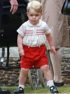 Aufgepasst, hier kommt George! Bei diesem Blick fällt es nicht schwer, sich den Kleinen als König Großbritanniens vorzustellen.